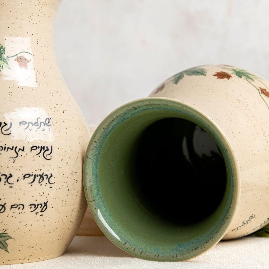 ניגונים - אגרטל מקרמיקה בעבודת יד | רחלי אלון - כלים אומרים שירה